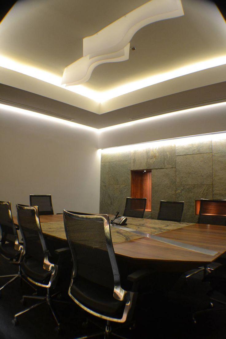 Encuentra las mejores ideas e inspiración para el hogar. Oficinas corporativas, Complejo City Angelópolis por Maka Arquitectura | homify