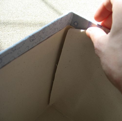 straightforward tutorial on how to cover box with fabric (using glue, not sewing)
