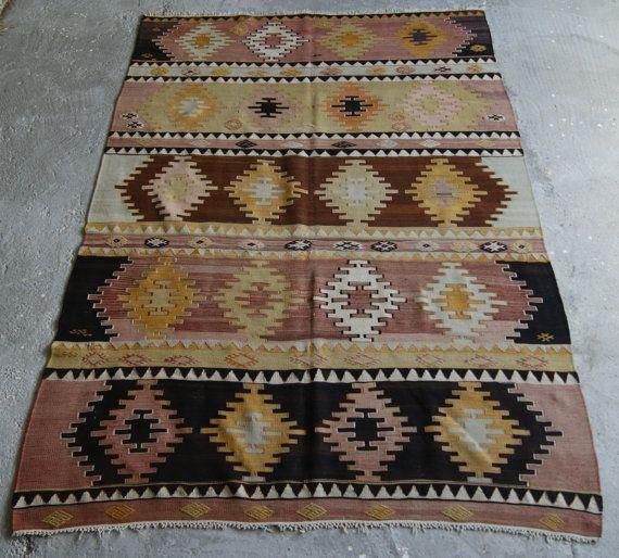 5'5''x8' Handwoven Kilim Rug Vintage Kilim