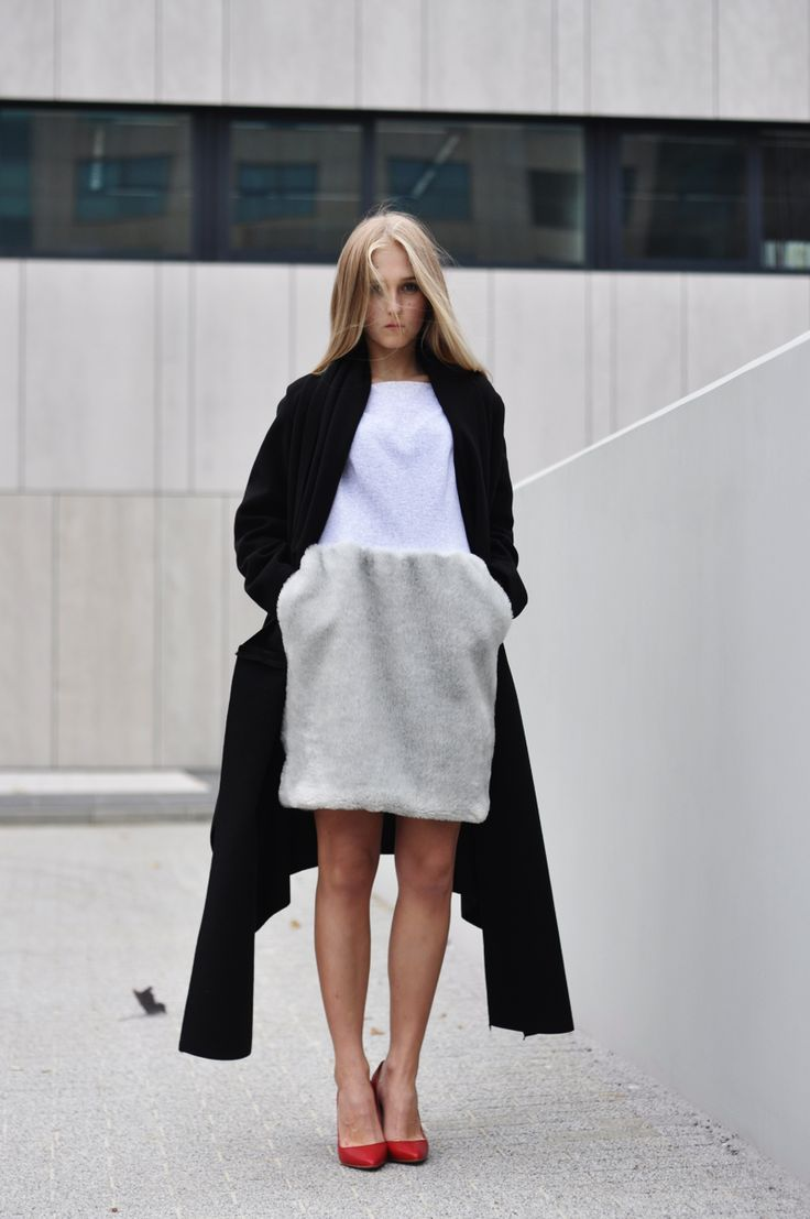 minimalistic outfit inspiration. street style.