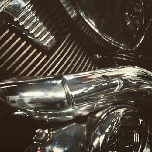 overboldmotorco: Engine pattern from #suzuki #intruder #1800....  overboldmotorco:  Engine pattern from #suzuki #intruder #1800. http://ift.tt/1PwOrLa