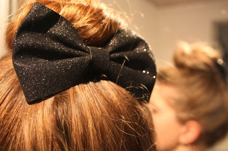 Homemade Glitter Bow Hair Clip for going out