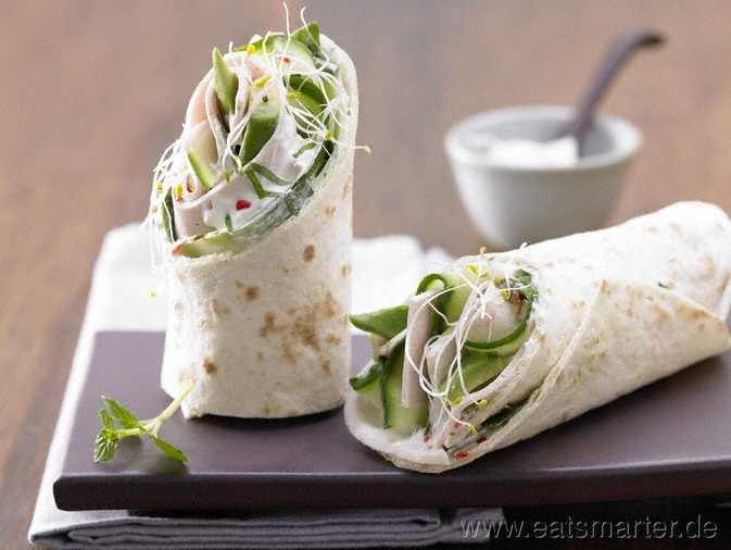 Gefüllte Wraps - smarter - mit Geflügelaufschnitt und Avocado. Kalorien: 294 Kcal | Zeit: 20 min. #snack