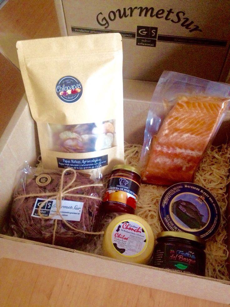Deliciosos y exclusivos productos gourmet elaborados en el Sur de Chile, en distintas cajas y presentaciones, para un momento especial o para hacer el mejor regalo. Elige tu Caja Gourmet Sur favorita en: www.gsgourmetsur.com