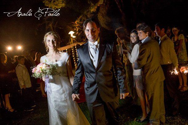 Fotografia de #boda en Buenos Aires. Casamiento en una quinta de noche en del Viso. Divinos los novios! Amor & Felicidad!