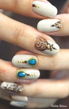 Henna nail art ! #crazydetail Great work to whoever made this!