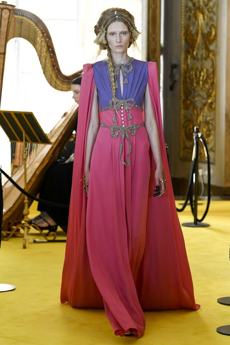 Gucci Resort 2018 Fashion Show - Elena Zinchenko