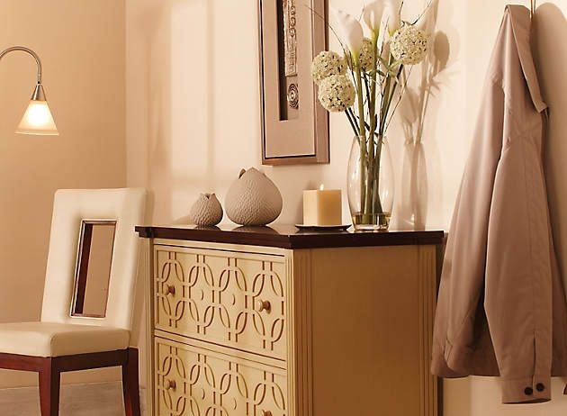 Walk in the door and your cares drop away--along with your keys and mail when you position a roomy accent chest near the front door to hold everything.