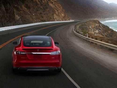 Bloomberg: La amenaza de los vehículos eléctricos al mercado petrolero