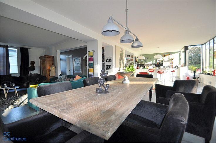 A Angers, à vendre chez Capifrance magnifique propriété de 275 m².    Plus d'infos > Dominick Chabroud, conseiller immobilier Capifrance