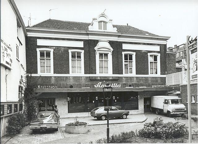 Oude foto van Amicitia aan het Westeinde in Den Haag