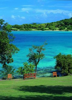 St. John in the U.S. Virgin Islands. Holy that's gorgeous ! #USVI #romancetravelspecialist