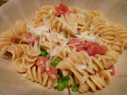 Creamy Garlic and Tomato Pasta for Two