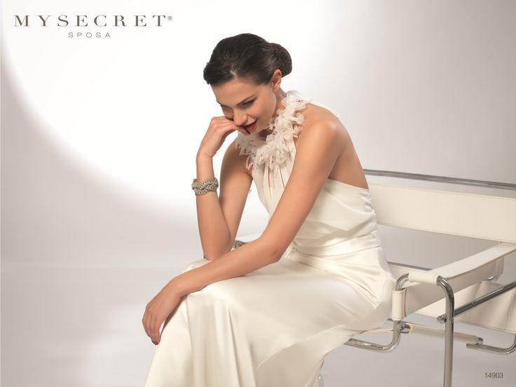 Abito sposa Collo Particolare My Secret Sposa  Putignano  http://www.nozzemeravigliose.it/matrimonio/atelier-sposa/bari/my-secret-sposa/397