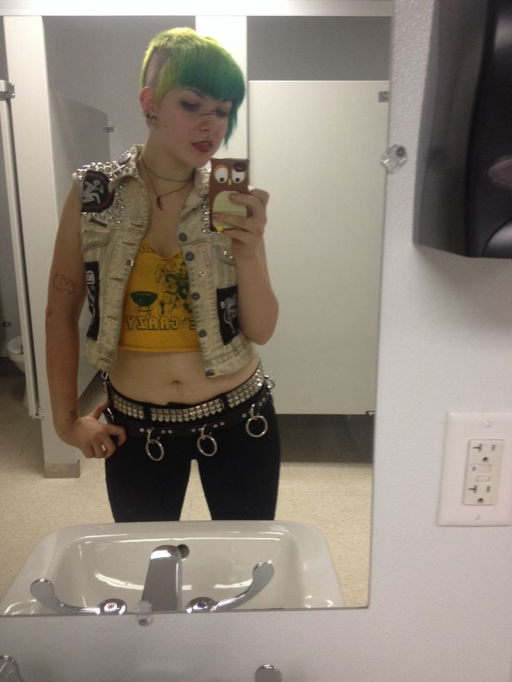 westsidejane:  I'm drunk here's a picture I took earlier.     Punk Rock Girl Fashion Inspiration