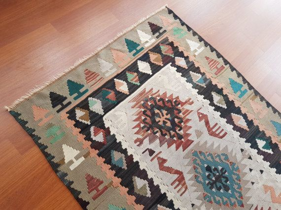 Handmade Small Kilim Decorative Lovely Geometric Pattern Pale
