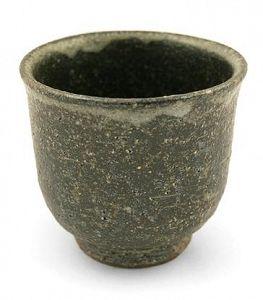 Czarka do herbaty Reibai. Pokryta szkliwem popiołowym. Pracownia Marujugama - Japonia