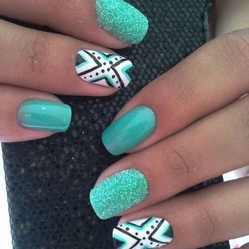 These nails are so much fun!! They have a great pattern!