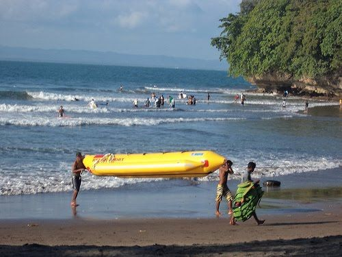 Batu Karas Beach Suitable for Holiday and Learn to Surfing