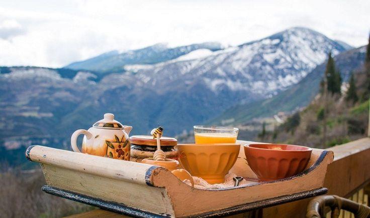 Ελλάδα: 8 ξενώνες που σερβίρουν εξαιρετικό πρωινό