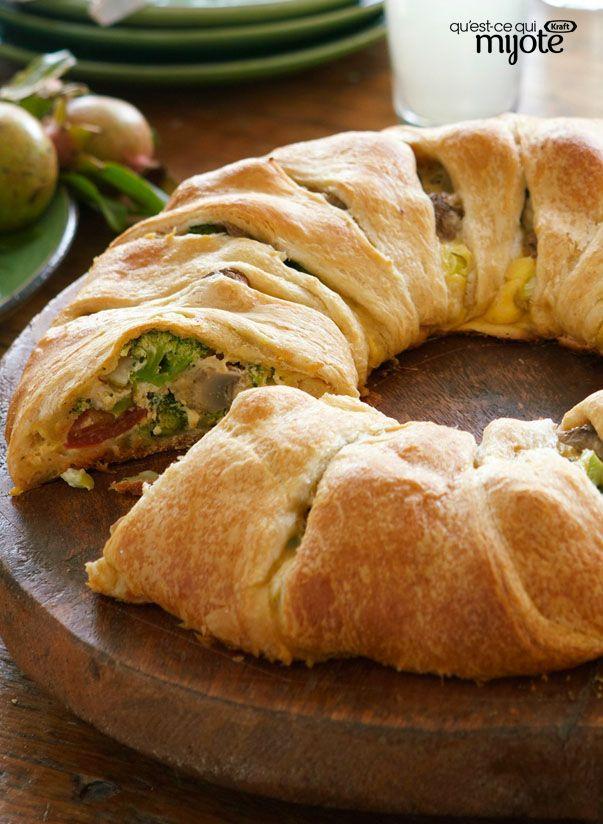 Couronne au fromage et aux légumes facile à faire - En suivant la démonstration sur vidéo, vous réussirez facilement cette élégante entrée. #recette