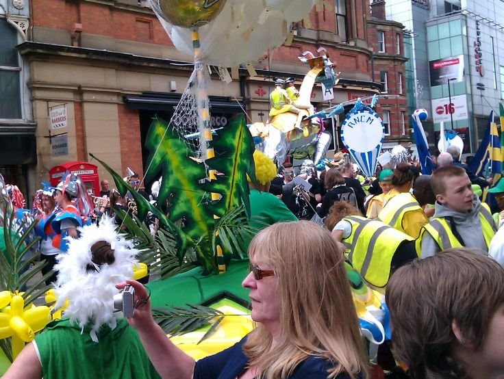 Manchester, Carnival. UK Travel & English Language. Travel in the United Kingdom and learn fluent English with the Eurolingua Institute http://www.eurolingua.com/english/homestay-uk-2