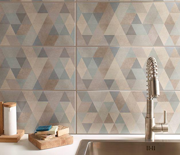 Graphique et minimaliste, le carrelage mural à motifs losanges anime les murs de la cuisine et fait naître une décor au bel esprit authentique. http://www.castorama.fr/store/pages/zoom-sur-carrelage-mural-douce-geometrie.html