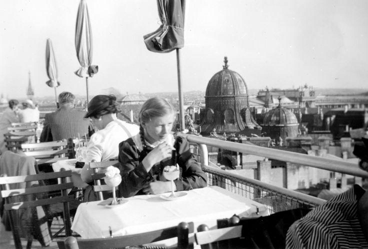 17 Best images about Old Vienna on Pinterest  Vienna, Karl marx and 1920s -> Vintage Möbel Vienna
