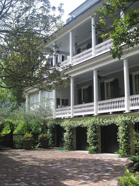 1000 images about charleston on pinterest charleston sc for Charleston style homes