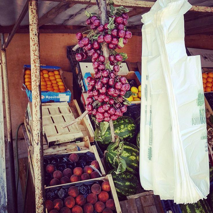 Τα κεράσια ή αλλιώς Prunus avium, είναι πλούσια σε ασβέστιο, βιταμίνη C, κάλιο, σίδηρο, βιταμίνες Β και Α, μαγνήσιο και χαλκό. Ενισχύουν το ανοσοποιητικό σύστημα του οργανισμού και ευνοούν την καλή λειτουργία του εντέρου. Τα ανοιχτόχρωμα κεράσια είναι συνήθως γλυκά, ενώ τα σκουρόχρωμα πιο ξινά. Δοκιμάστε πριν τα αγοράσετε!