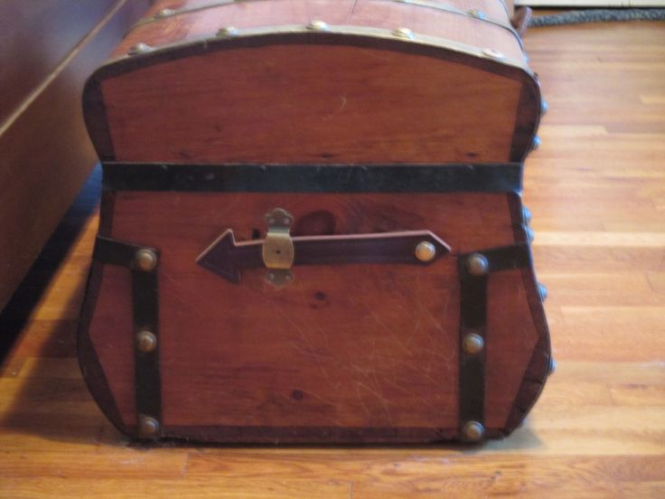 Jenny Lind 32 Inch Five Brass Band Trunk   Collectors Weekly