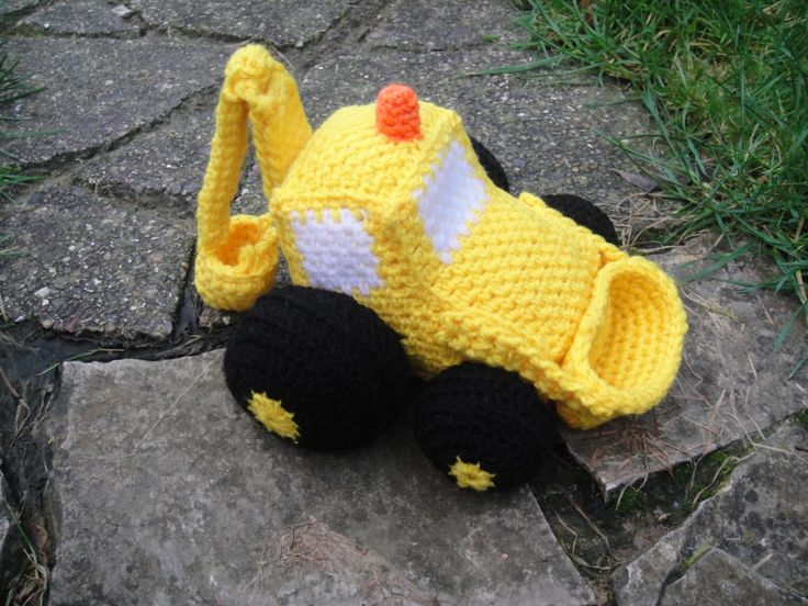 Crochet Digger. Download pattern. My toddler has me finding everything tractor! So cute!