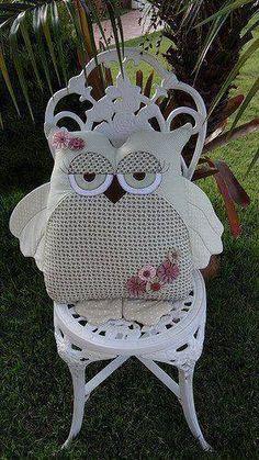 Modelo de almofada em forma de coruja...