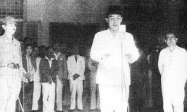 Proklamasi Kemerdekaan Indonesia 17 Agustus 1945.