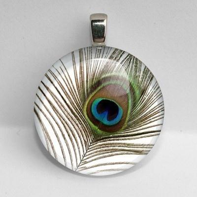 peackock feather pendant
