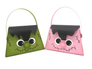 These adorable treat purses were created using the Petite Purse Die from Stampin' Up! please check my blog for credits