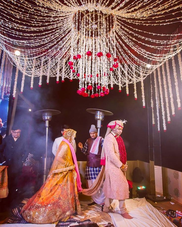 Solemn wedding ceremony! Portfolio, by Knotty Days, Delhi #weddingnet #wedding #india #indian #indianwedding #weddingdresses #mehendi #ceremony #realwedding #lehenga #lehengacholi #choli #lehengawedding #lehengasaree #saree #bridalsaree #weddingsaree #indianrituals #indianweddingrituals #ceremonies #weddingceremonies