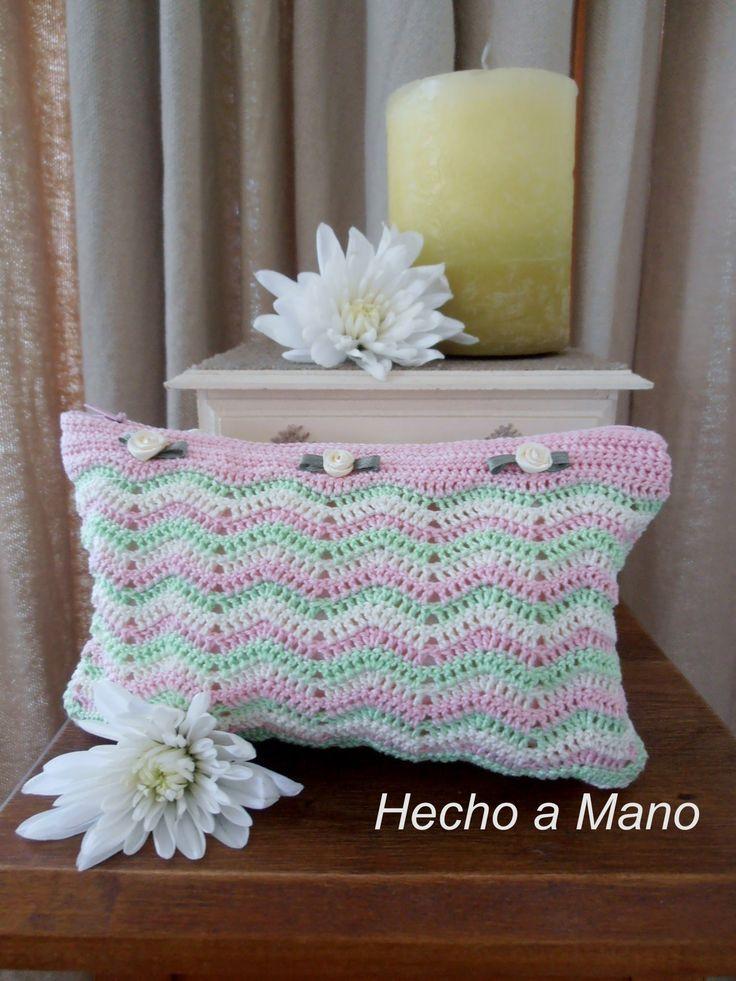 Crochet: Como hacer un estuche a crochet en punto zig zag. Video 1