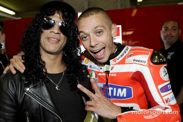 Vale with Slash