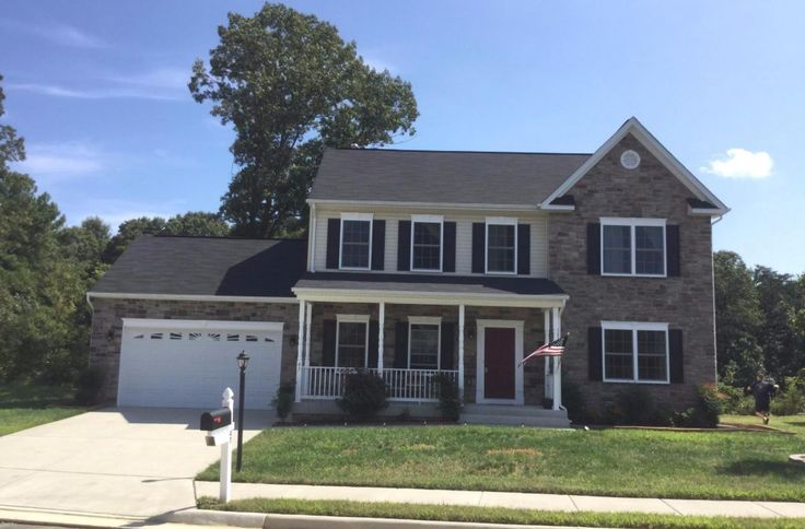 47 Summerfield Lane, Fredericksburg, VA 22405 A spacious 4 BR home built in 2014, with stainless steel appliances, hardwoods, 2 car garage, deck & patio, close to Leeland VRE. Carpet will be replaced in 3 BR & stairway before the tenant moves in. Owner pays HOA, seasonal lawn treatments, repair deductible, seasonal HVAC service and regular pest treatment! 36 month lease considered. No Pets. Shows well!