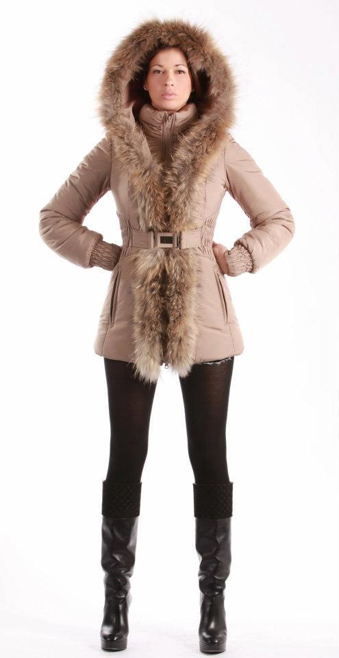 40 best women in fur images on pinterest furs fur and dress codes. Black Bedroom Furniture Sets. Home Design Ideas