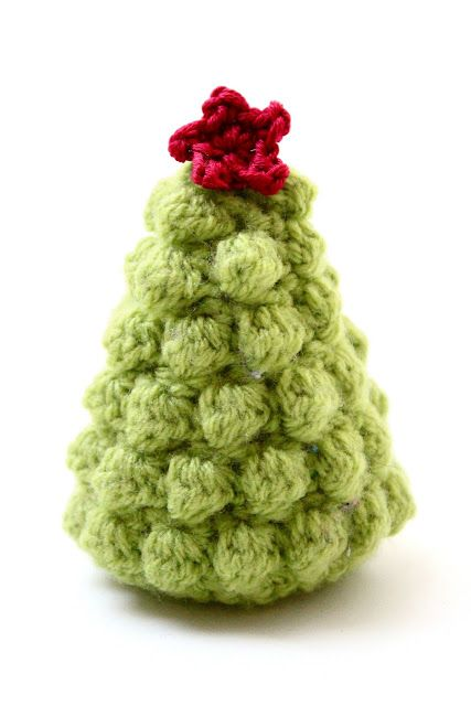 According to Matt...: Creative Christmas: Crocheted Christmas Trees - pattern by June Gilbank
