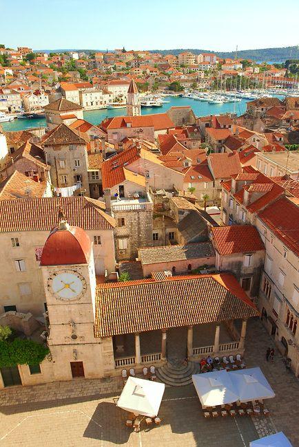 Rooftop view, Trogir, Croatia #trogir #unesco #croatia - Klik op deze pin voor meer informatie over de Split/trogir route bij Amorgos Zeilvakanties