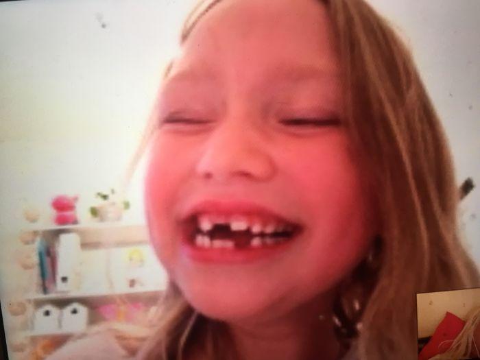 """Kelly har börjat första klass! + Dagens Skype Umgänge och ett litet meddelande till Kelly när hon blir """"stor""""❤️"""