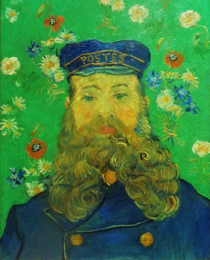 """'Portret van Joseph Roulin' door Vincent van Gogh uit 1889. """"Ik ben nu bezig aan het portret van een brievebode met zijn donker blaauwe uniform met geel. Een kop zoowat als die van Socrates, haast geen neus, een hoog voorhoofd, kale kruin, kleine grijze oogen, hoog gekleurd volle wangen, een grooten baard, peper en zout, groote oren. De man is een fameus republikein en socialist, redeneert heel goed en weet veel dingen. Zijn vrouw is vandaag bevallen en hij is dus erg het heertje."""""""
