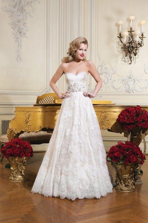 Korzetové celokrajkové svadobné šaty