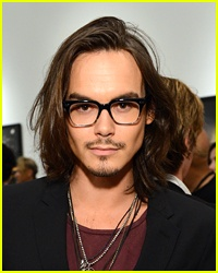 He's like johnny Depp had a reincarnated before the real johnny Depp even dies <3333