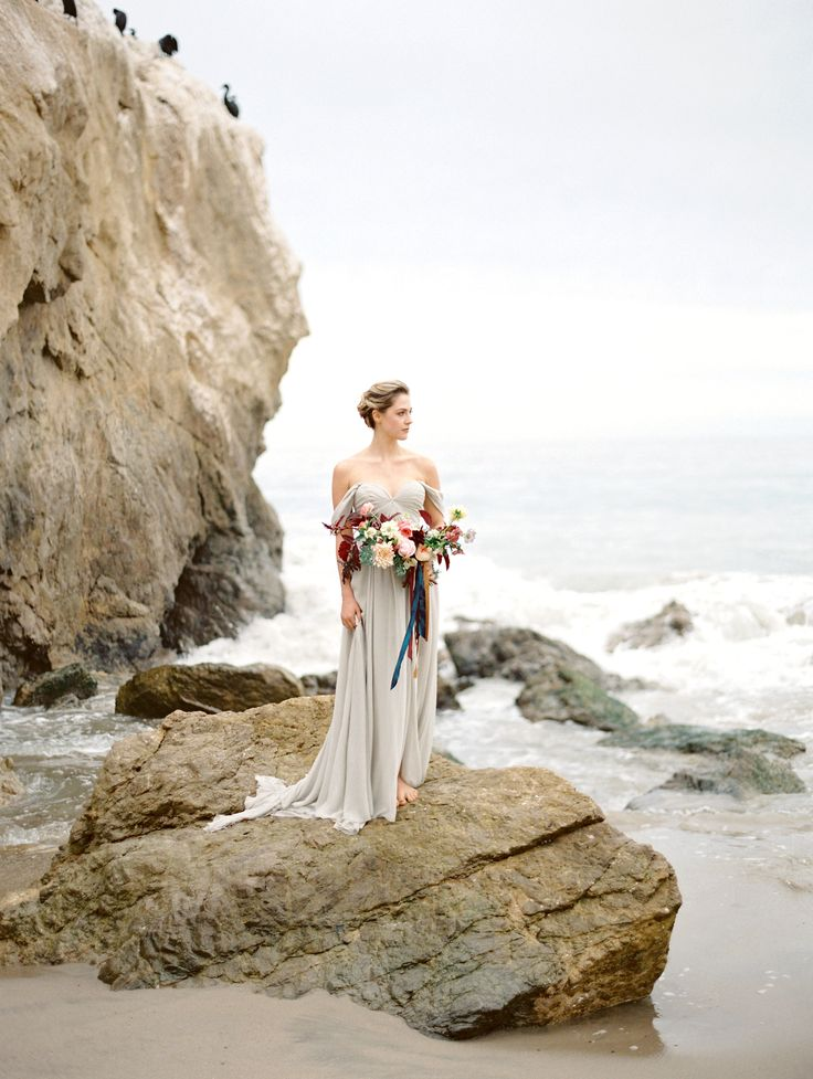 Grey Elegant Malibu Beach Wedding | Wedding Sparrow | Charla Storey