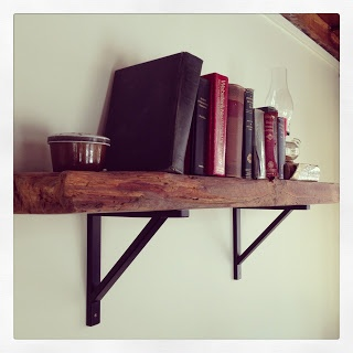Mobilier Art Furnishings : Rentals & More: Tablette de bois rustique- Shelf with Rustic Barn Wood