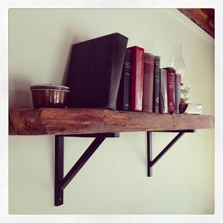 Mobilier Art Furnishings : Rentals & More: Tablette de bois rustique- Shelf with Rustic Barn Wood
